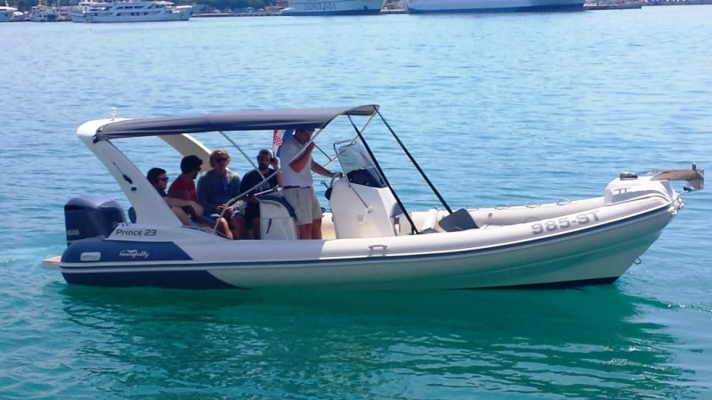Private boat excursions low cost